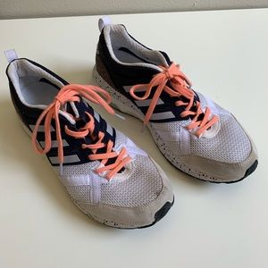 Adidas nice lookin, adizero tempo size 9